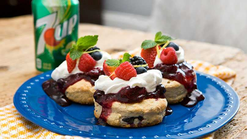 image of 7Up Mixed Berries and Cream Biscuits