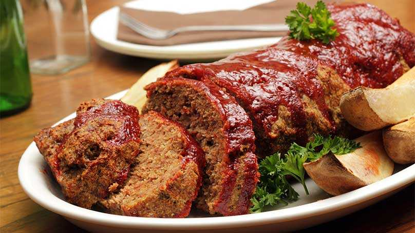image of Meatloaf with Crackers & Ketchup