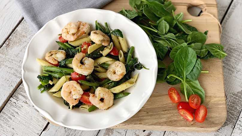 image of Pesto Spinach Pasta with Shrimp & Tomatoes