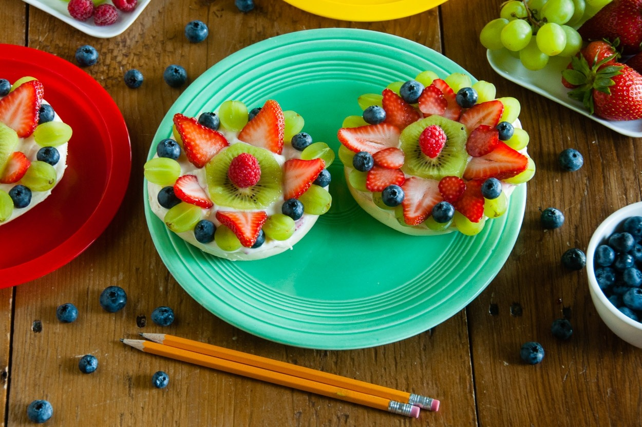 Bagel Fruit Pizza