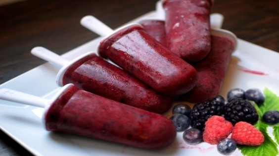 Homemade Berry Popsicles