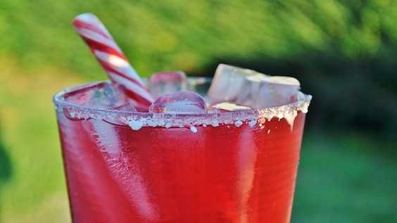 image of Pomegranate Peppermint Ginger Fizz with Peppe...