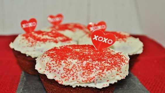 image of Red Velvet Cupcakes with Red Glitter Cream Ch...