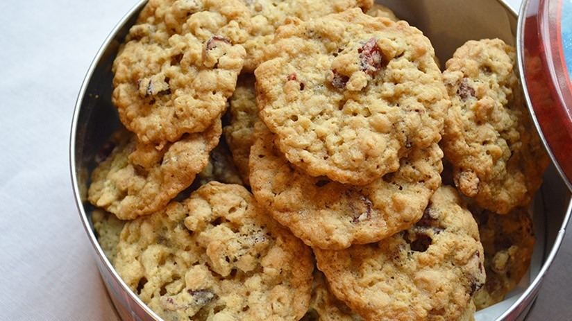Oatmeal Cookies with Cranberries and Pecans